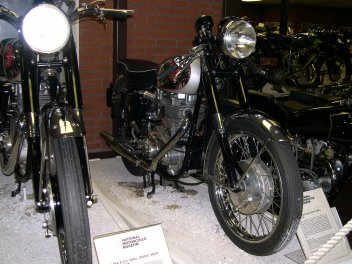 BSA Gold Star DBD34